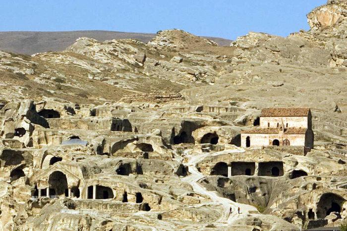 Уплисцихе — пещерный город